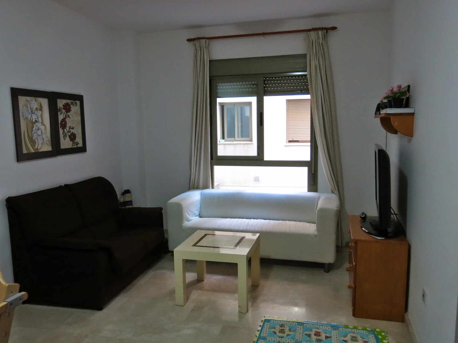 Photo of the lounge in our temporary apartment