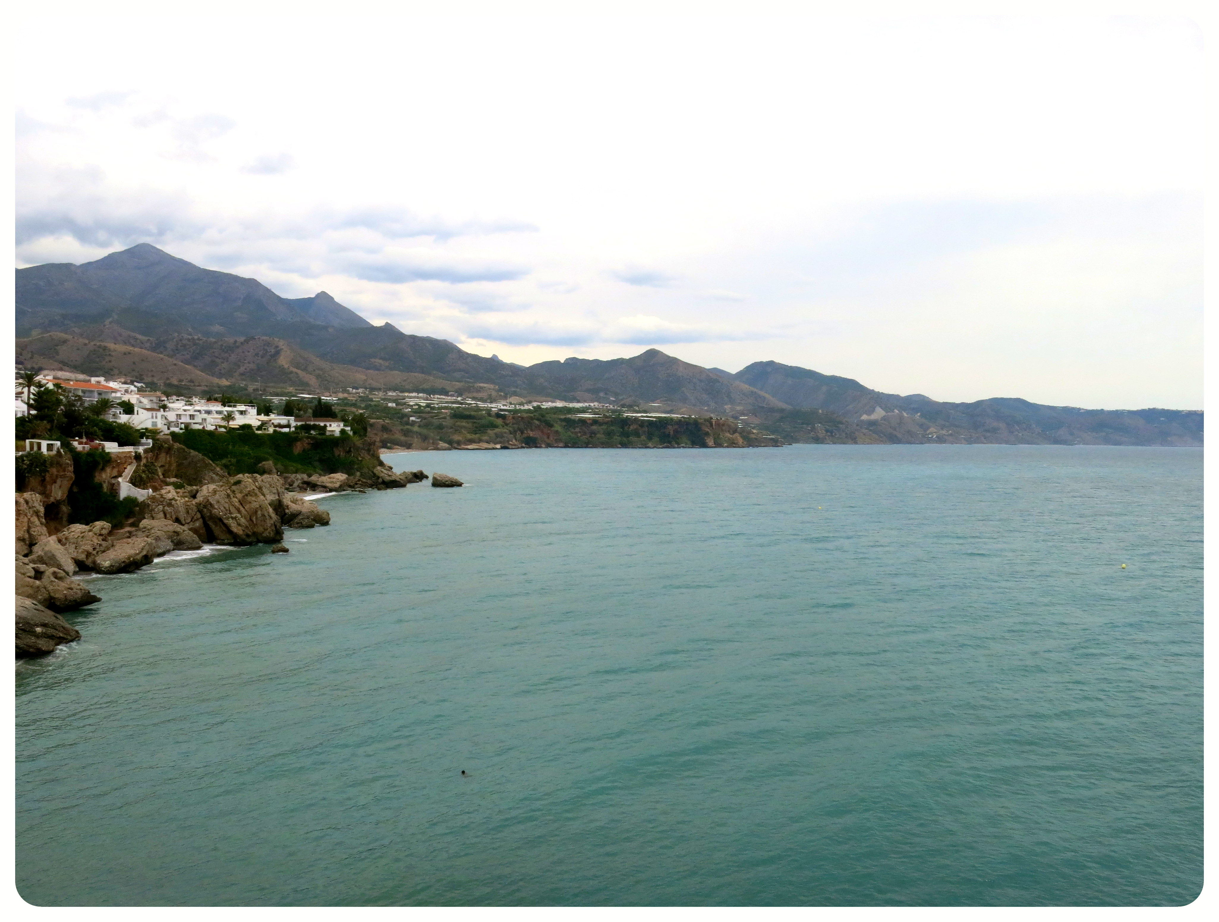 Photo of the view from Balcon de Europa in Nerja